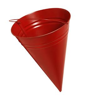 Пожарное ведро треугольное
