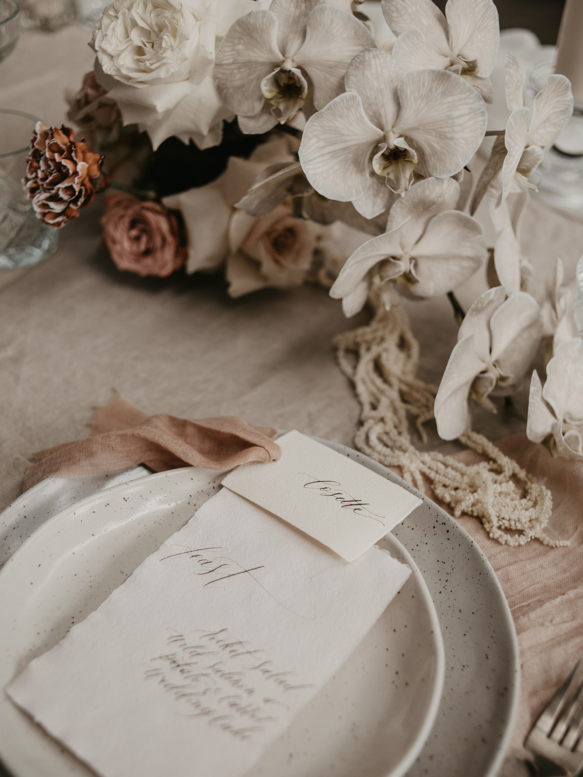 At Home | Holiday Décor Inspiration: A Wintry Tablescape