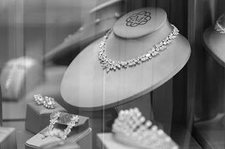 معنى ضياع المجوهرات في حلم المتزوجة