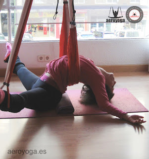 yoga, yoga restaurativo, aeroyoga, yoga aereo, aerea, aerial, air, aerien, dance, aero, fly, flying, restaurative, suspension, gravity, salud, health,
