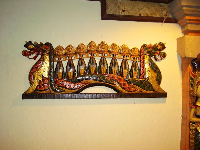 Изображение настенного украшения на стене в отеле