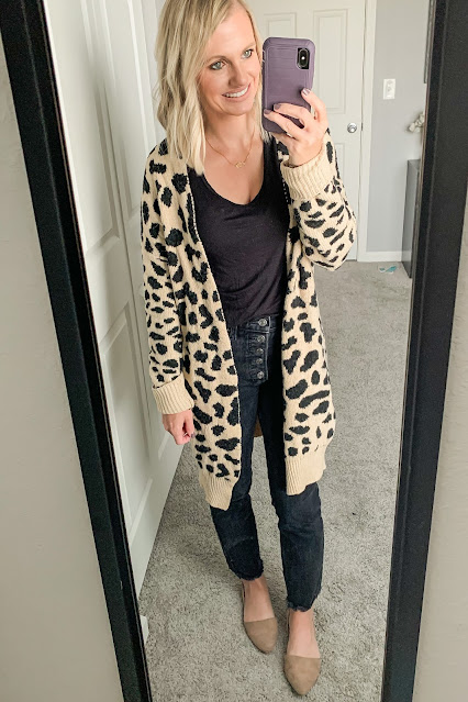 Black jeans with leopard cardigan #blackjeans #leopard