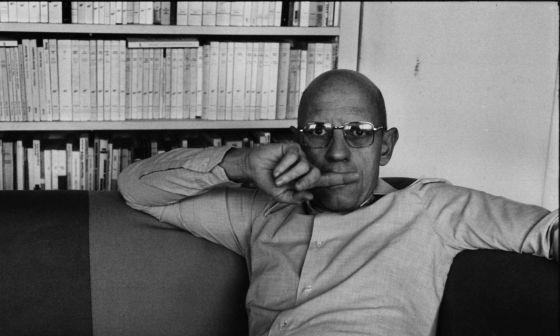 El poder, esa bestia magnifica | por Michel Foucault