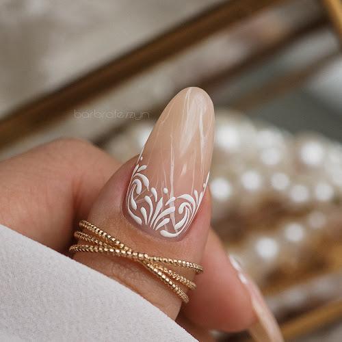 ornamenty na paznokciach