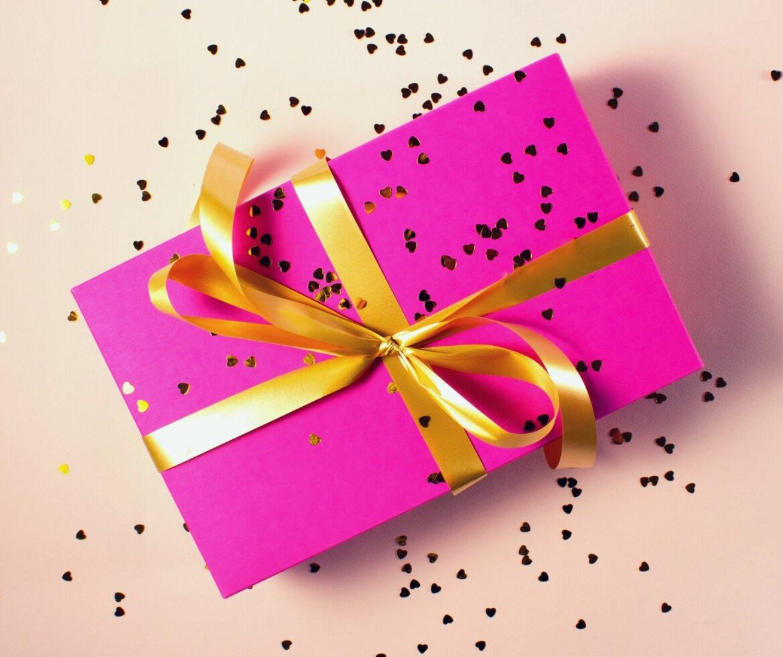 Comprando e dando livros de presente