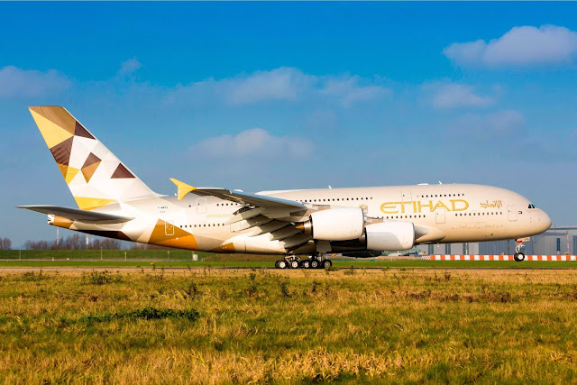 A380-800 Etihad Airways Rotating Takeoff