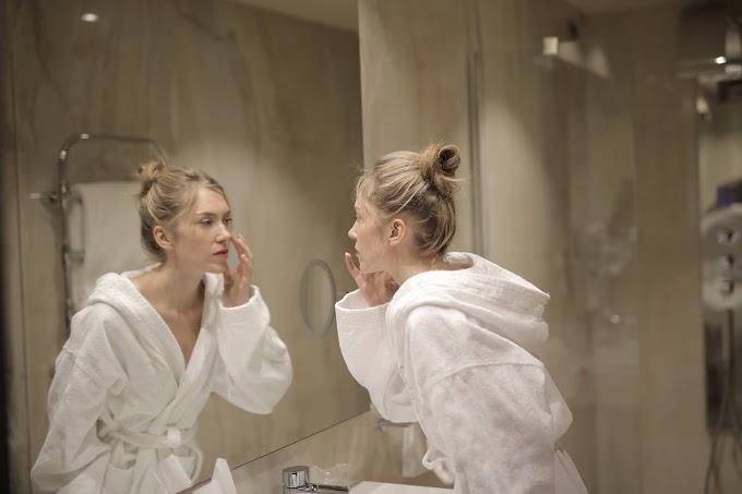 10+ Make Up Remover Wipes yang Bikin Wajahmu Bersih Sempurna