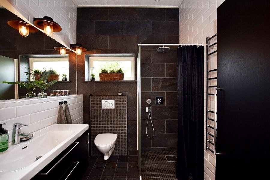 Klasyczna elegancja z rustykalną nutą, wystrój wnętrz, wnętrza, urządzanie mieszkania, dom, home decor, dekoracje, aranżacje, styl klasyczny, styl rustykalny, drewno, łazienka