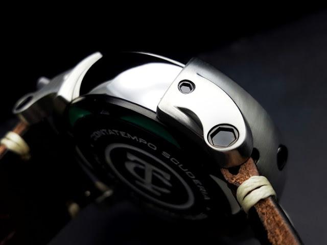大阪 梅田 ハービスプラザ WATCH 腕時計 ウォッチ ベルト 直営 公式 CT SCUDERIA CTスクーデリア Cafe Racer カフェレーサー Triumph トライアンフ Norton ノートン フェラーリ CAFE RACER カフェレーサー CS20122 雑誌 MADURO マデュロ CS20100LE CS20103LE