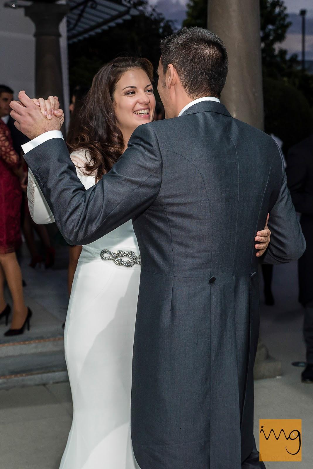 Fotografía de boda en Granada, el baile nupcial