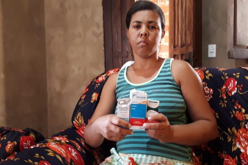 Mãe faz apelo para conseguir medicamentos para a filha em Brumado