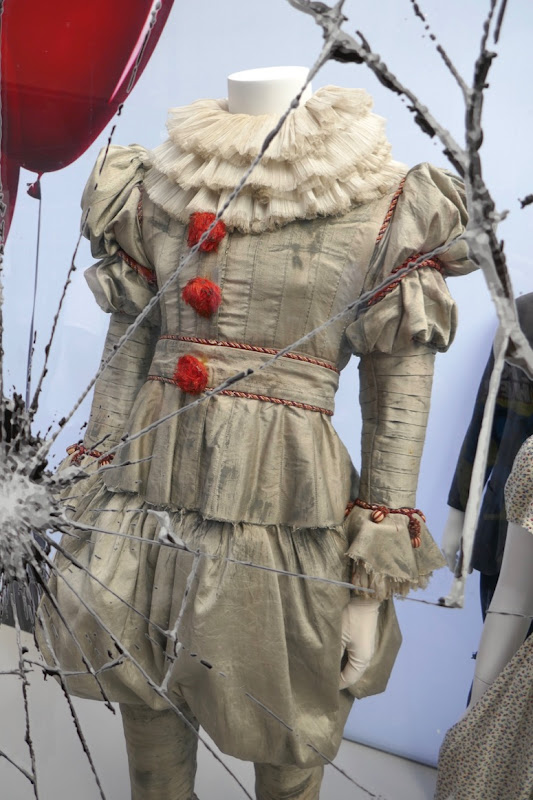 IT Chapter Two Pennywise clown costume