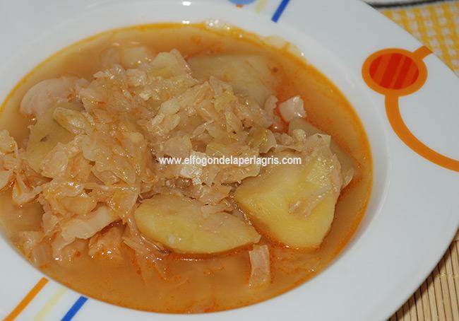 Guiso de col con patatas