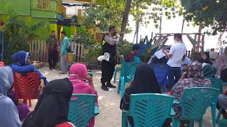 Peduli, Bhabinkamtibmas Pulau Barrang Caddi Edukasi Warga Soal Protokol Kesehatan