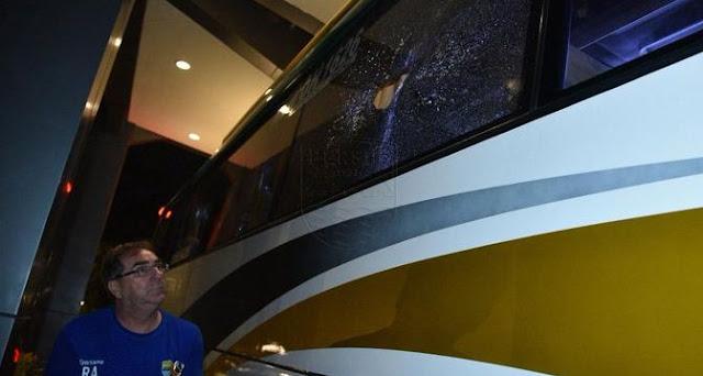 Bus Persib Ditempar Batu, Dua Pemain Luka