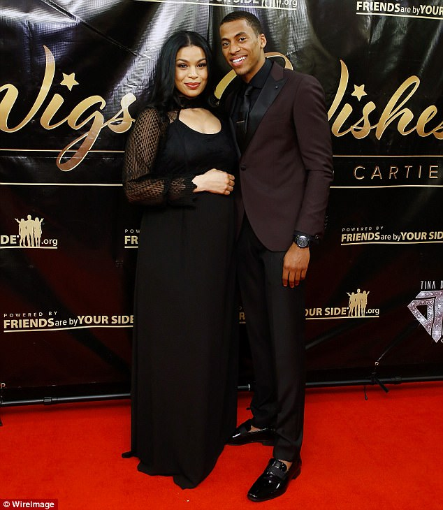 Pregnant-Jordin-Sparks-with-husband-Dana-Isaiah