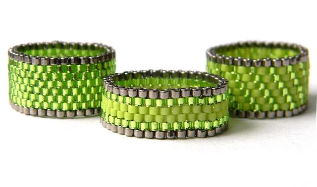 купить украшения из бисера зеленые кольца ручной работы