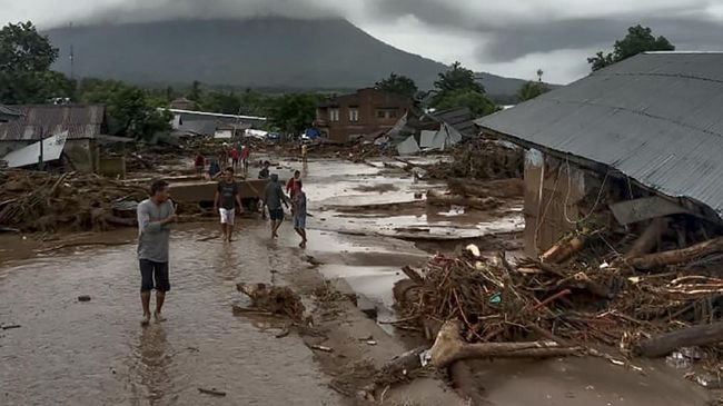 """Doni Monardo Sebut Bencana Banjir NTT Tidak Perlu Berstatus """"Bencana Nasional"""", Ini Alasannya"""