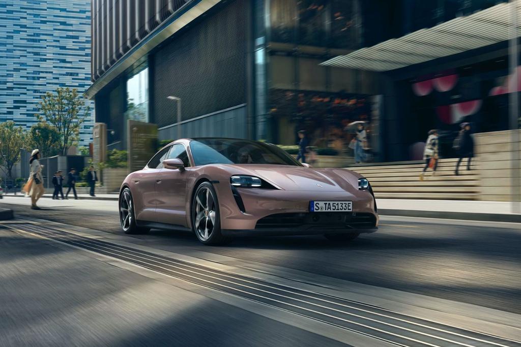 Porsche Taycan ra mắt tại Trung Quốc, sắp trình làng ở VN
