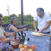 """Chef Андре Токев и Събин Ранков вадят мед и правят сладко от домати в село Паволче –  тази неделя в """"Ловци на храна"""" от 12:30 часа по bTV"""
