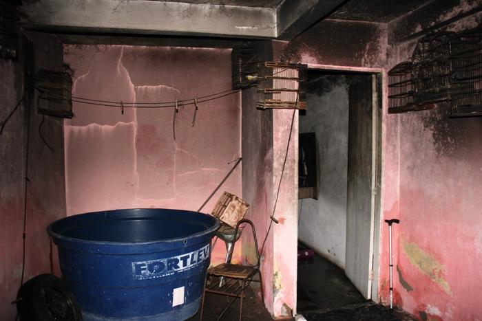 casa-incendiada2