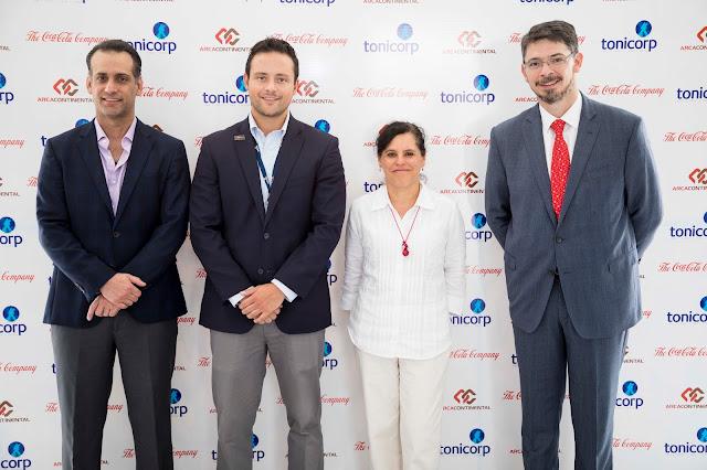 La embajadora de México visitó las plantas de Arca Continental