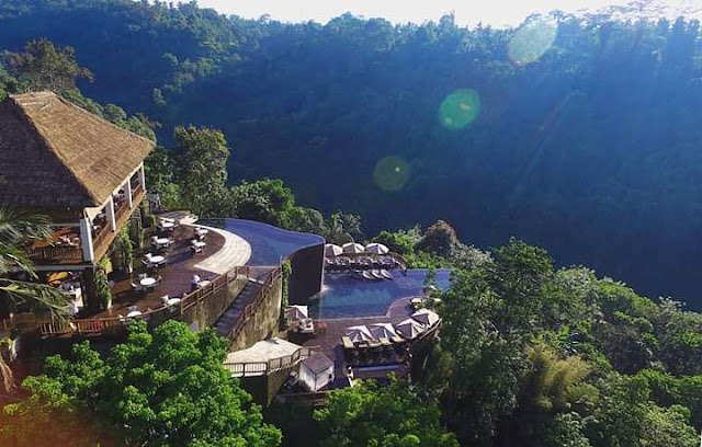 Infinity pool hotel yang paling hits di Ubud