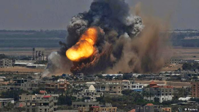http://1.bp.blogspot.com/-cIsdDd0LVow/U72HDxCh-mI/AAAAAAAAATQ/X4_ZXVLdfho/s1600/Israel+Lanjutkan+Serangan+Udara+ke+Gaza.jpg
