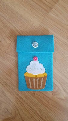 Cupcakes notebook and pencil cover set