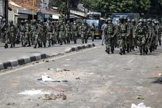 "TNI Datang Warga Jadi Tenang dan Teriak ""Hidup TNI!"""
