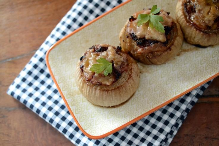 Cebollas rellenas de carne de cordero