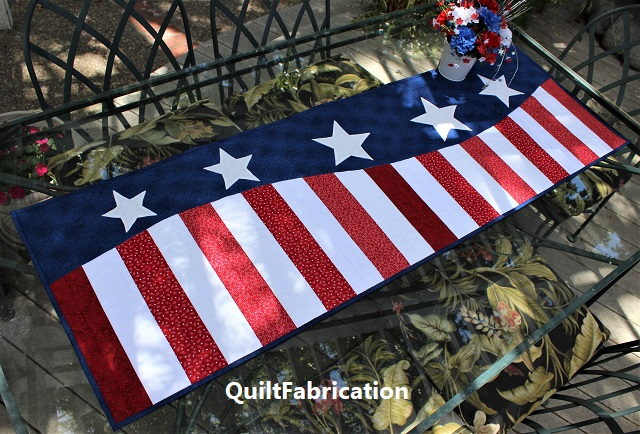 Patriotic Wave table runner pattern by QuiltFabrication