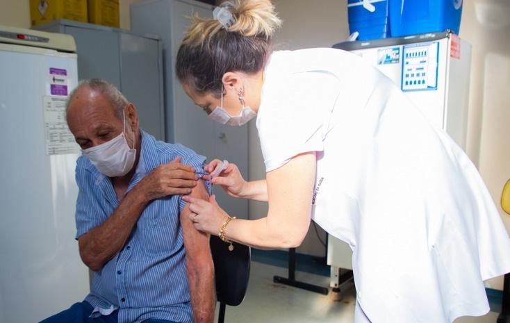 Vacinação contra a Covid: 68,5% da população de Cajobi tomou a primeira ou dose única das vacinas
