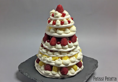 pavlova, pièce montée en pavlova, fruits, meringues, tutoriel vidéo, patissi-patatta