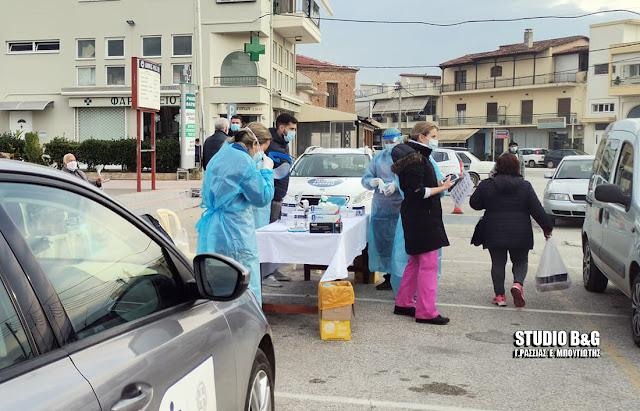 Κλιμάκιο της ΚΟΜΥ Αργολίδας στη Νέα Κίο για δωρεάν rapid test σε διερχόμενους οδηγούς