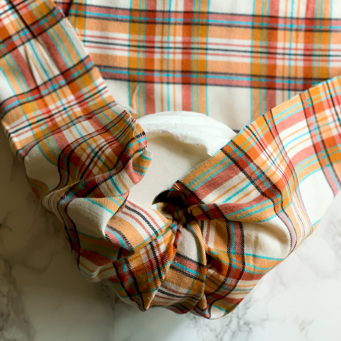 5 minute plaid pumpkin DIY using toilet paper rolls