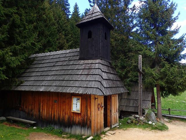 Kapliczka św. Jana Chrzciciela na Polanie Chochołowskiej
