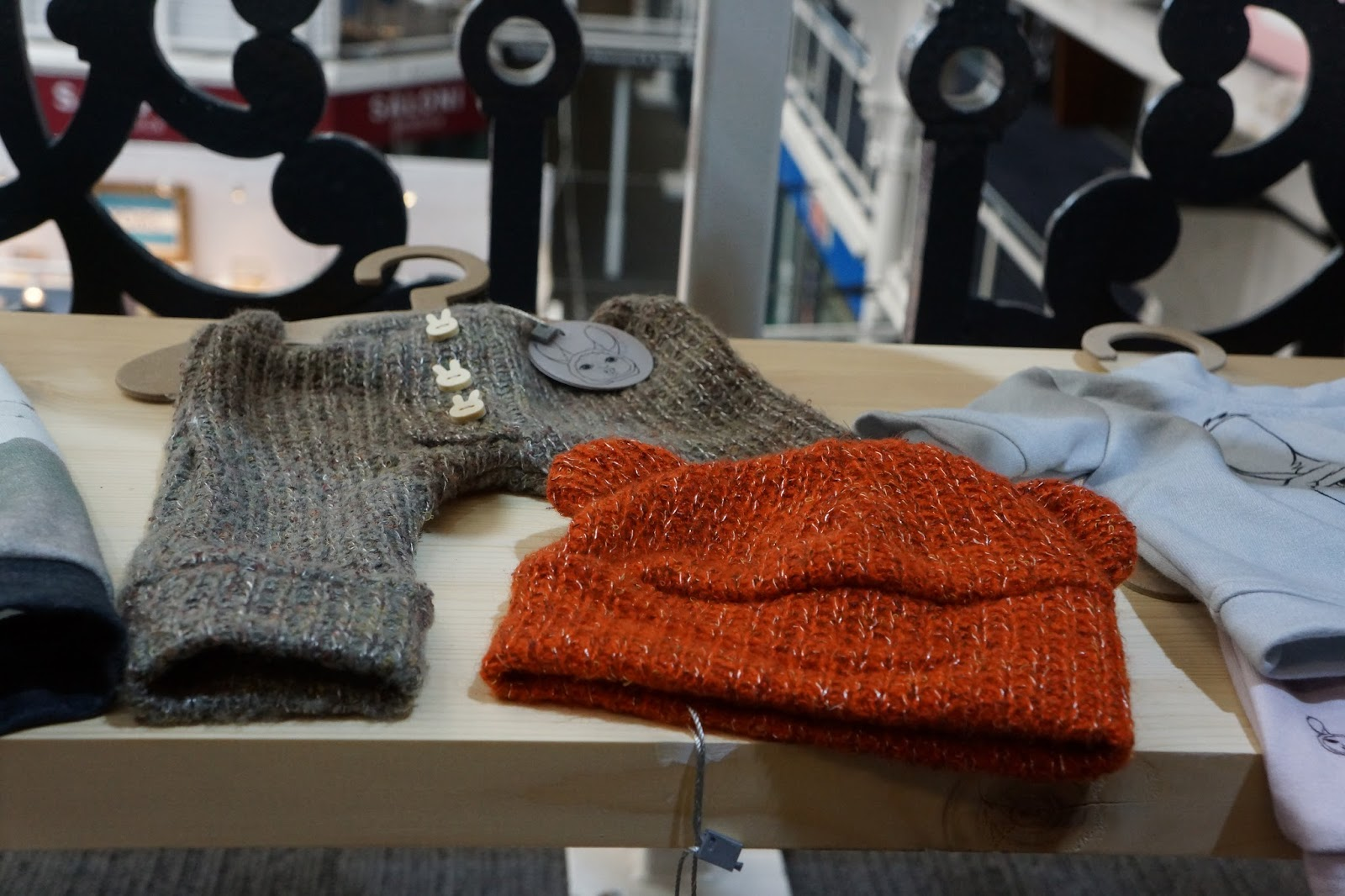 Olly & Arya knit wear