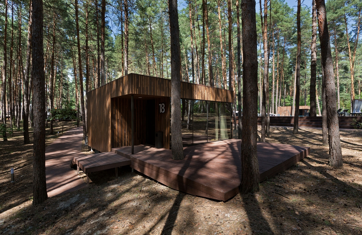 01-Outside-Building-YOD-Design-Lab-Architectural-Guest-Houses-in-the-Forest-www-designstack-co