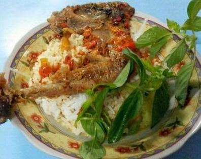 kuliner ayam pedas khas banyuwangi