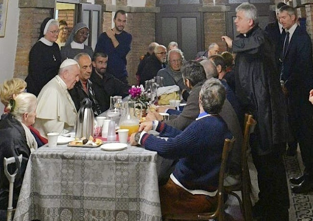 Pope Francis Hosts Meal For 1,500 Needy People