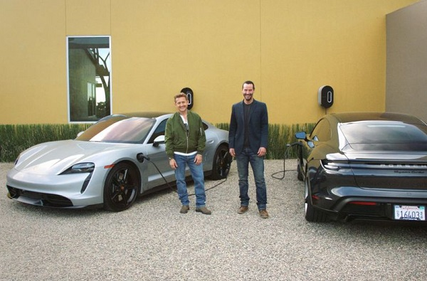 Documental Porsche Taycan Turbo y Keanu Reeves
