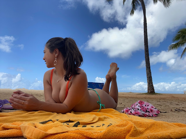 Kelly Fountain at Waikiki Beach in Hawaii