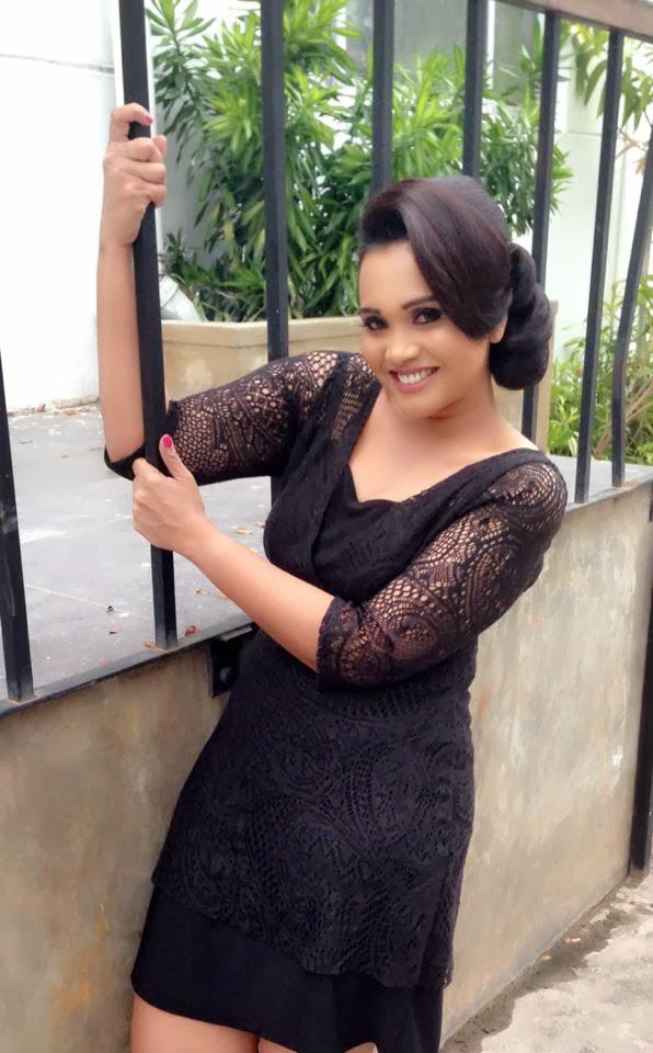 Sri Lankan Actress and TV Presenter Gayathri Dias Spicy