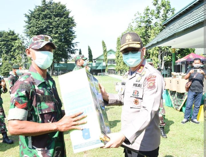 Kegiatan Penyerahan Alat Pelindung Diri Yang Dilaksanakan Dimakorem 042/Gapu, Dihadiri Oleh Kapolda Jambi