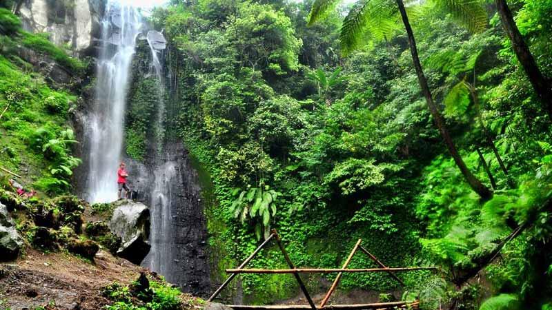 Air Terjun Watu Lapis Lumajang