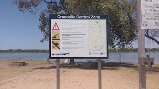 Ostrzegawcze znaki przed krokodylami