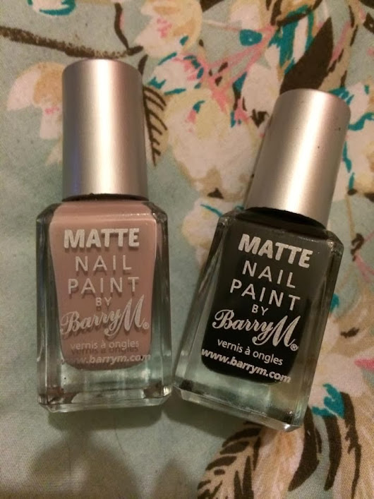 Review / Nail Tutorial - Barry M Matte Nail Polish