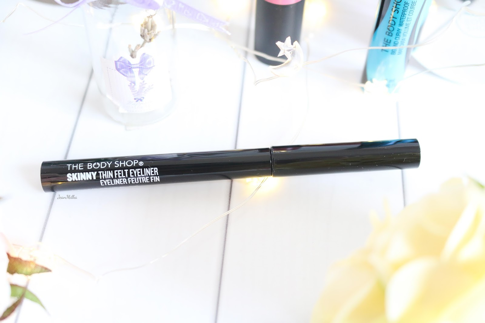 the body shop, body shop, body shop indonesia, the body shop indonesia, makeup natal, makeup, the body shop makeup, makeup collection, christmas makeup, the body shop makeup review, eyeliner, skinny thin eyeliner