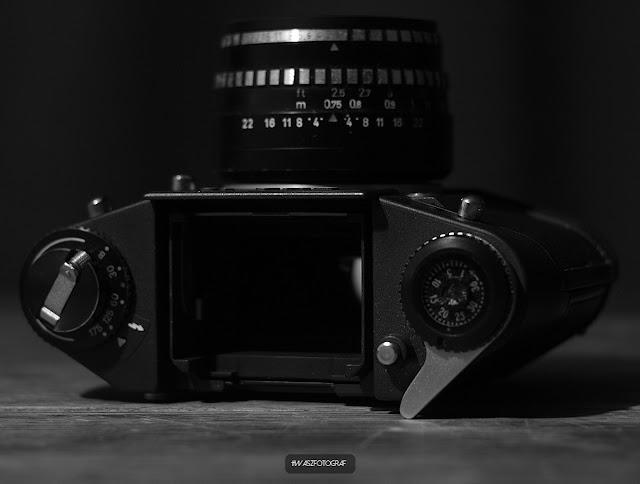 http://www.waszfotograf.com.pl/2017/11/aparat-exa-1c-domiplan-50mm-recenzja.html
